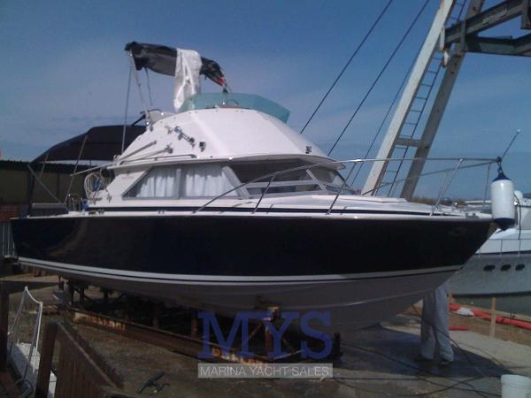 Bertram 28 Flybridge CRUISER BERTRAM 28 FLY (6)