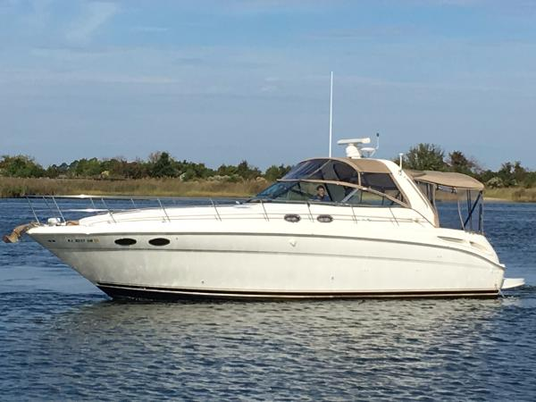 Sea Ray 380 Sundancer Broadside Port