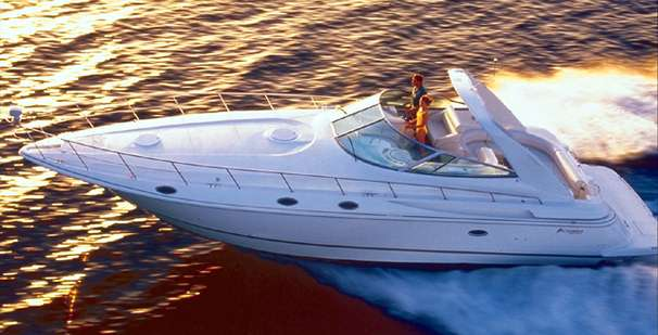 Cruisers Yachts 4270 Esprit Manufacturer Provided Image