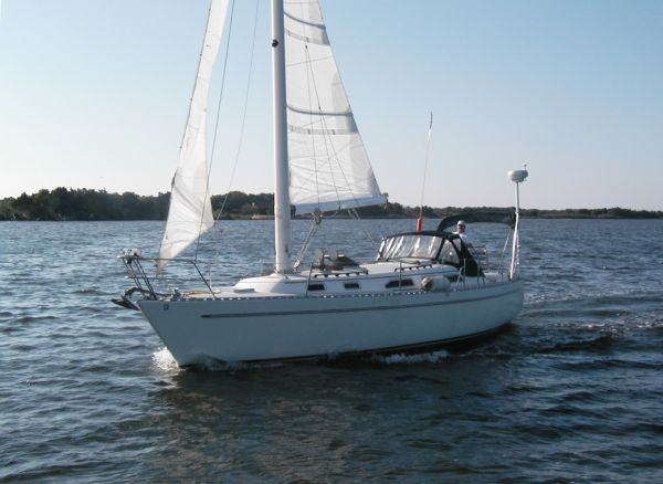 Mach I-freedom Boats 36 Modern Cat Sloop Photo 1
