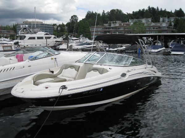 Sea Ray 270 Sundeck 270 Sundeck