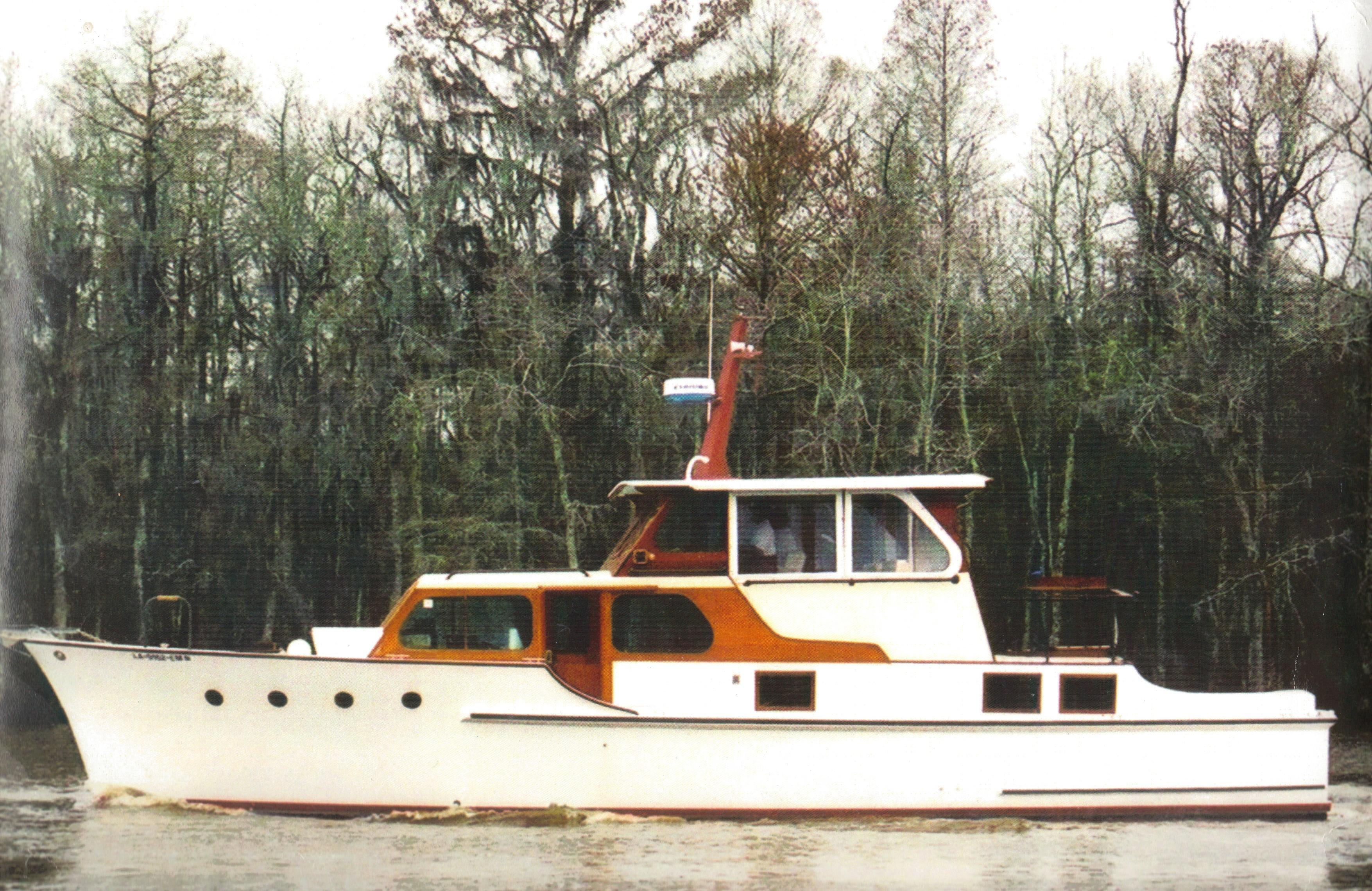 Custom Motor Yacht Wheeler Cabin Cruiser Profile