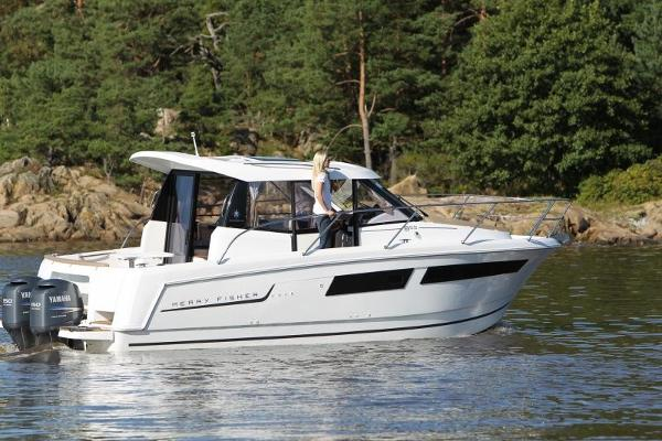 Jeanneau Merry Fisher 855 Modern lines. Brochure picture of sister craft.