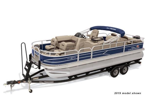 Sun Tracker Fishin' Barge 22 DLX