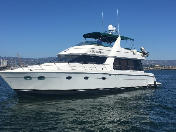 Carver 570 Voyager Pilothouse Exterior