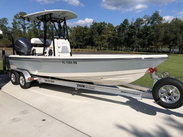 Pathfinder Boats 2400 TRS