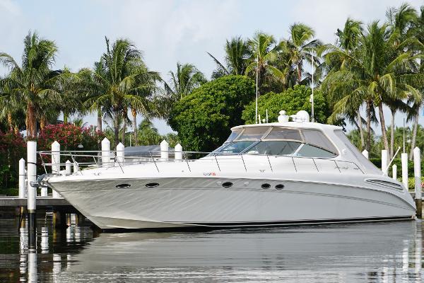 Sea Ray 540 Sundancer Profile