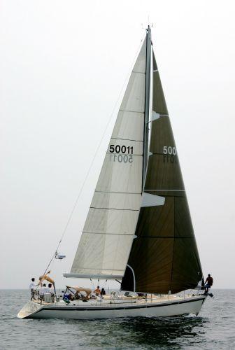 Morris Yachts Apogee 50 Under Sail