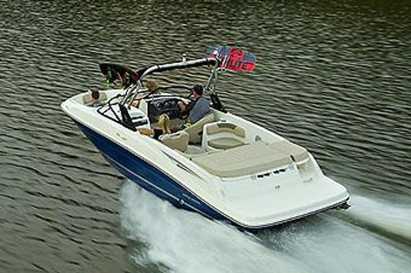 Bayliner VR6 Bowrider I/O