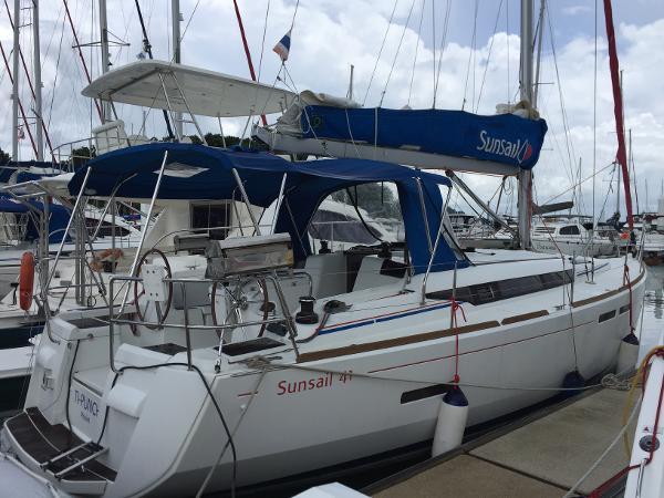 Jeanneau Sun Odyssey 409 At dock