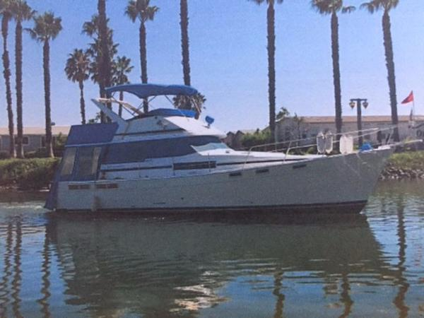 Bayliner 3870 Motoryacht Main photo