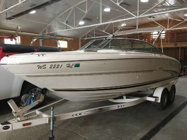 Sea Ray 210 SIGNATURE BOW RIDER