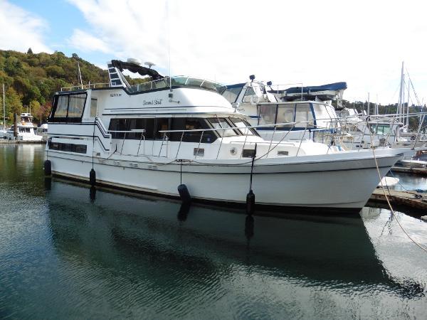 Bestway Marque-LaBelle Sundeck Motoryacht