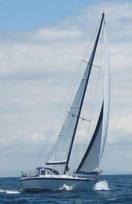 Ericson 35 Ericson 35 (sister ship)