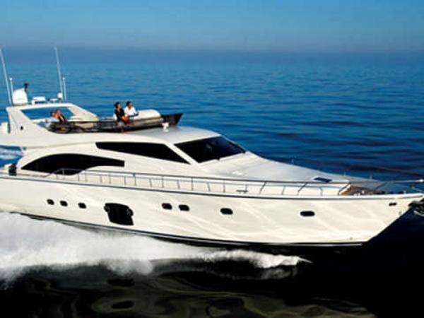 Ferretti Yachts 681 fly