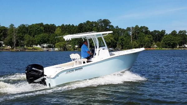 Sea Pro 239 Deep V Center Console