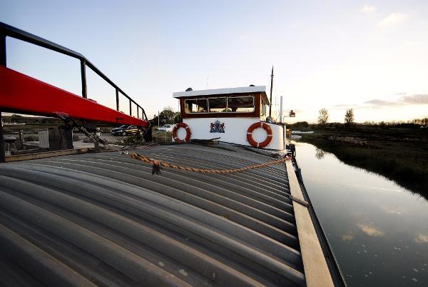 Barge Dutch Barge Dutch Barge 128ft kent London