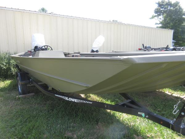 The 2019 rugged Roughneck 1860SC Jon Boat delivers pro fishing amp hunting performance you need at the best cost on the market Build your boat now!