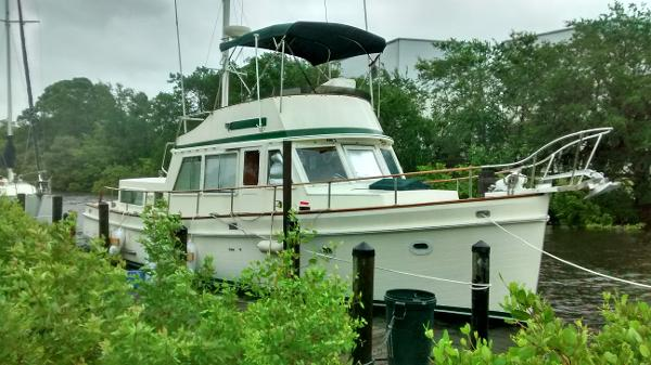 Eagle Aft Cabin Trawler Starboard Bow