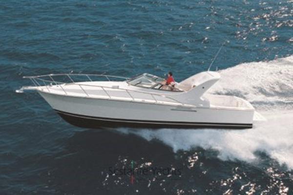 Riviera 4000 Offshore Riviera 4000 in navigazione bello