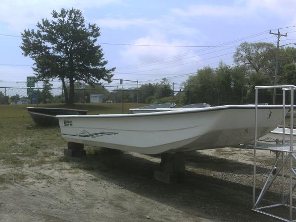 Carolina Skiff 2480 DLX KIT