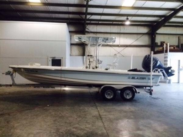 Blazer Boats Bay 2420 Professional