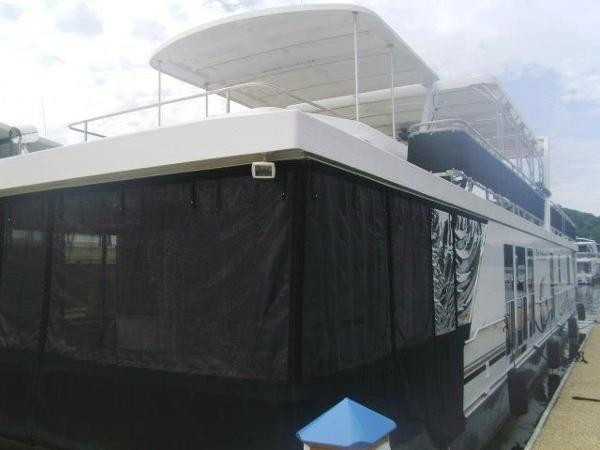 Horizon 18 x 84 Houseboat