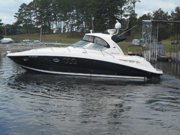Sea Ray 38 Sundancer Profile