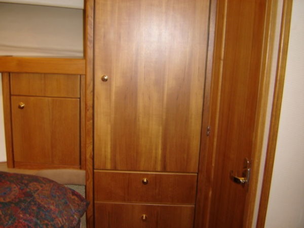 Master Cabin Closets & Drawers