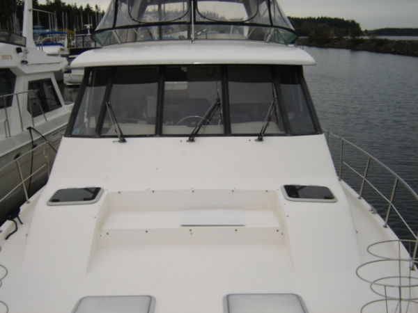 Pilothouse & Flybridge From Foredeck