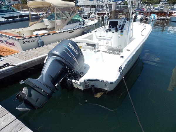 Polar Boats 2100 Center Console