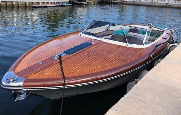 "Riva Aquariva Super 2015 Riva 33 ''Gianni"" - Profile"