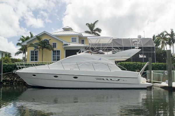Azimut 42 Flybridge Profile