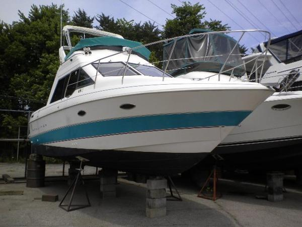 Bayliner 3058 Ciera Command Bridge