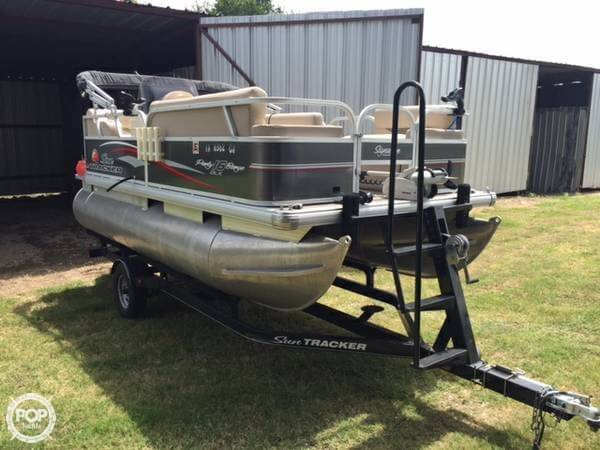 Sun Tracker 16 DLX Party Barge 2015 Sun Tracker 16 DLX Party Barge for sale in Mico, TX
