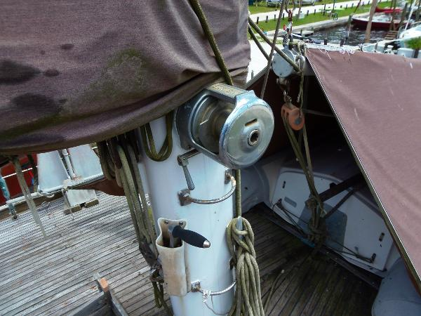 Starboard side of the mainmast, view of its' primary winch.