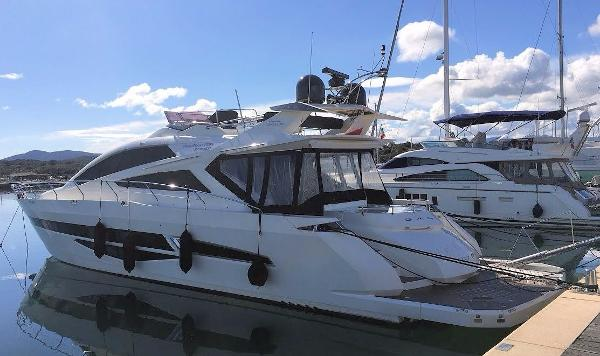 Galeon 700 Skydeck on berth