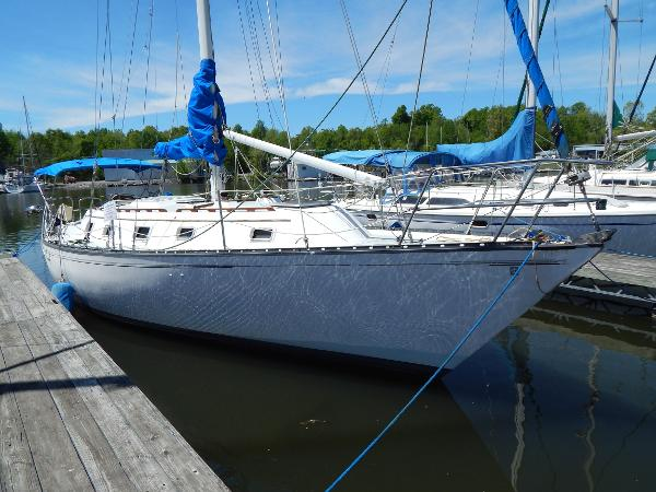 Hunter 37' Cherubini Cutter