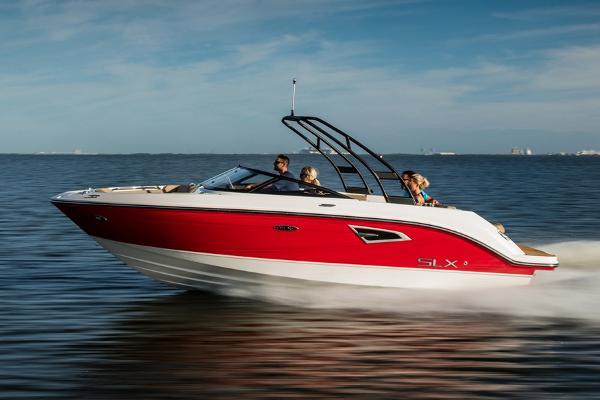 Sea Ray SLX 230 Manufacturer Provided Image