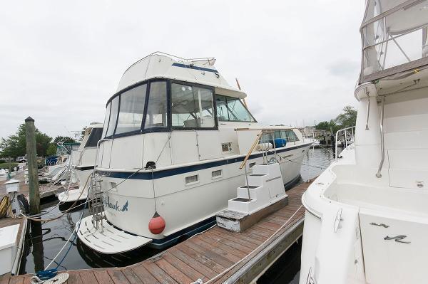 Hatteras 43 Double Cabin Motoryacht Starboard Profile