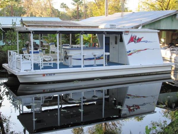 Aqua Cruiser 34