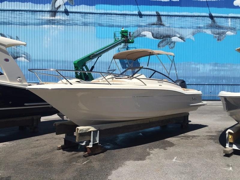 Scout Boat Company 225 Dorado