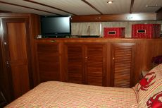 DeFever 50 Master Stateroom Facing Closets