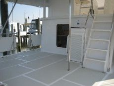 DeFever 50 Aft Deck / Steps to Salon