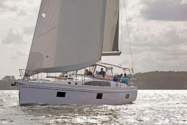 Catalina 545 Coming Soon 2020 Catalina 545 - Underway
