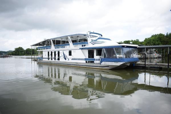 Houseboat 16 x 84