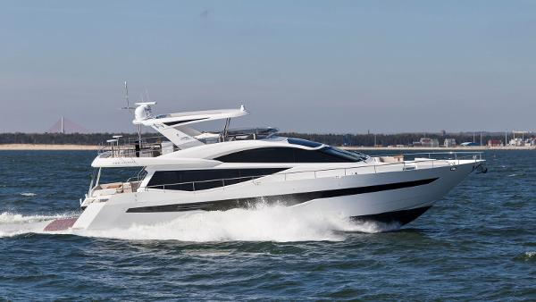 Galeon 780 Crystal esterno review