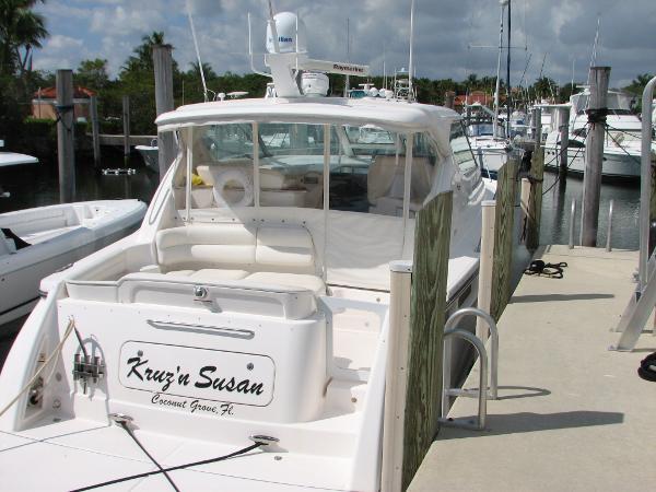 Tiara 4300 Sovran Starboard Side