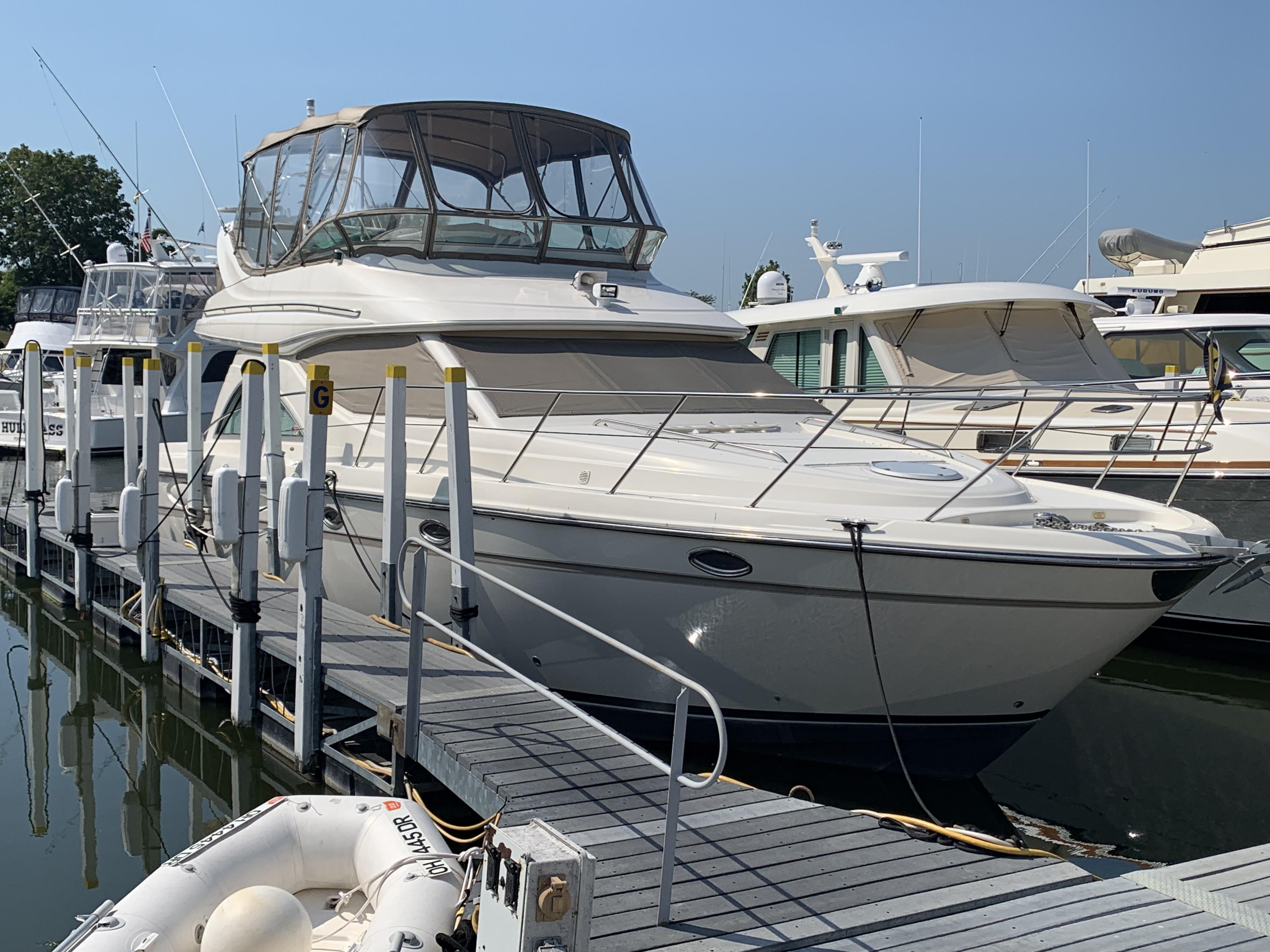Maxum 4600 SCB exterior profile
