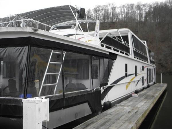 Fantasy 20 x 94 Houseboat
